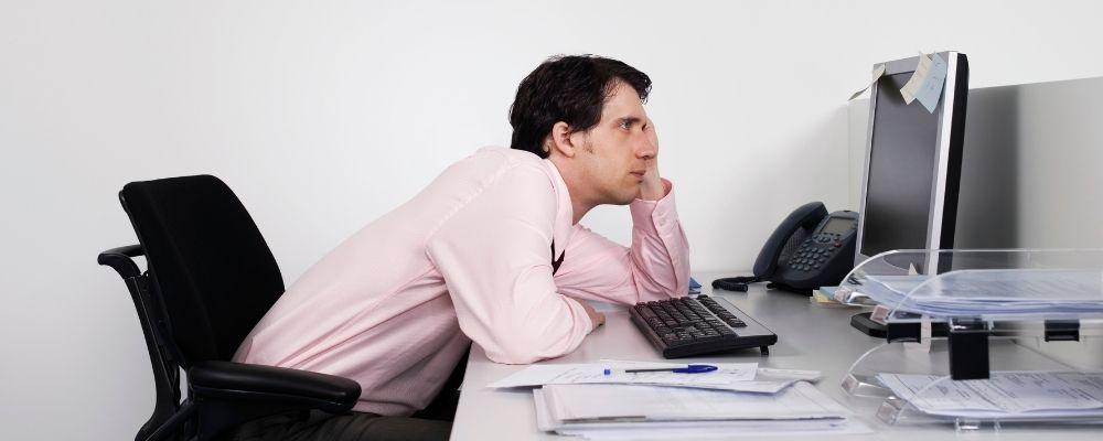 Moeilijk focussen op werk door overspannen zijn