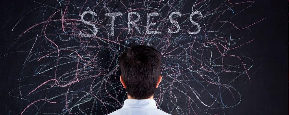 Oorsuizen door stress